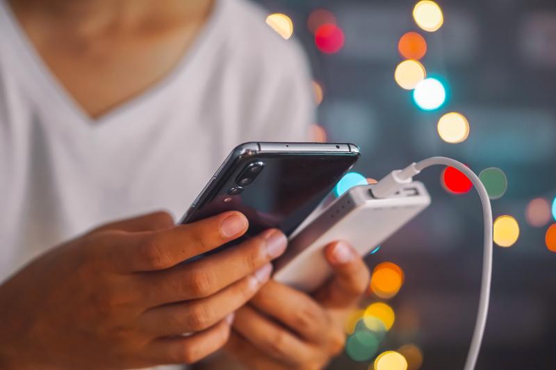 Το λάθος που κάνουμε που καταστρέφει την μπαταρία των smartphones