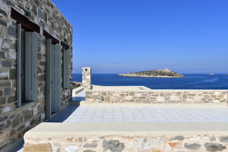 orizontas-spiti-greece-sothebys-international-realty-paros-secret-cape.jpg