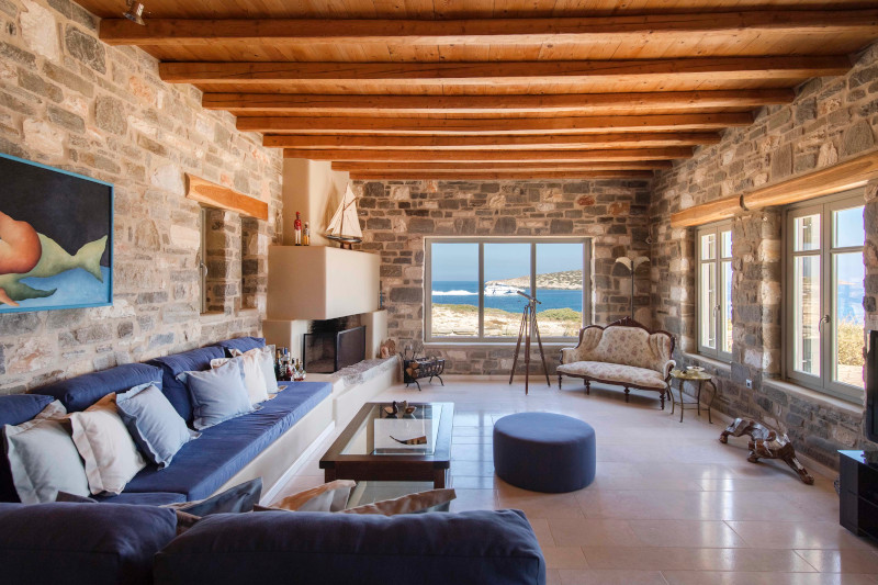 saloni-spiti-greece-sothebys-international-realty-paros-secret-cape.jpg