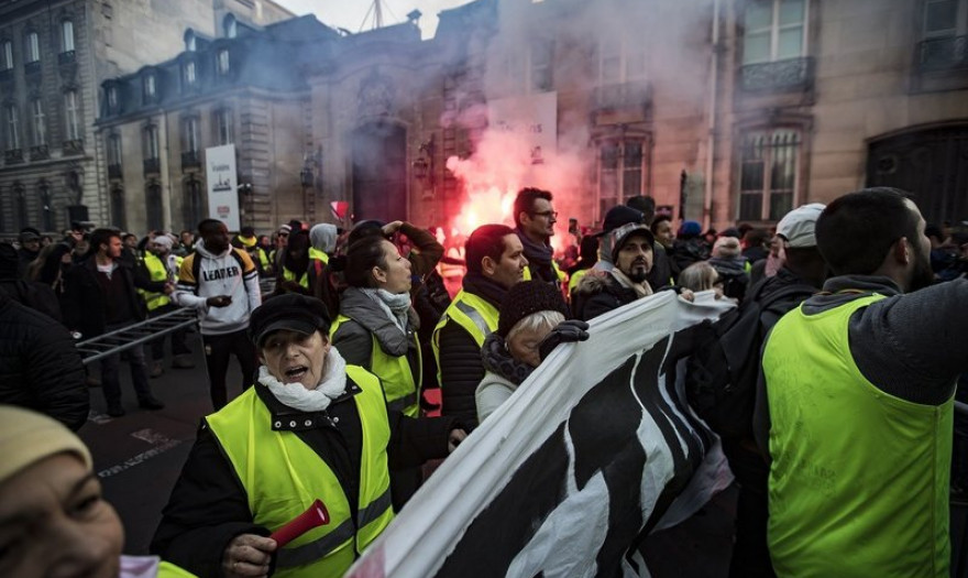 Γαλλία: Τα 42 αιτήματα των «Κίτρινων Γιλέκων»