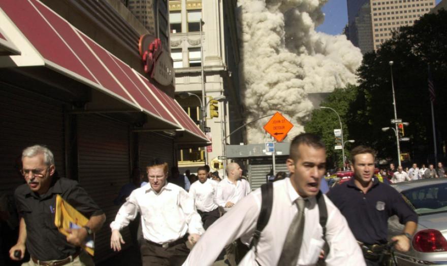 Πέθανε από κορωνοϊό ο πρωταγωνιστής μιας από τις διασημότερες φωτό από την 11η Σεπτεμβρίου